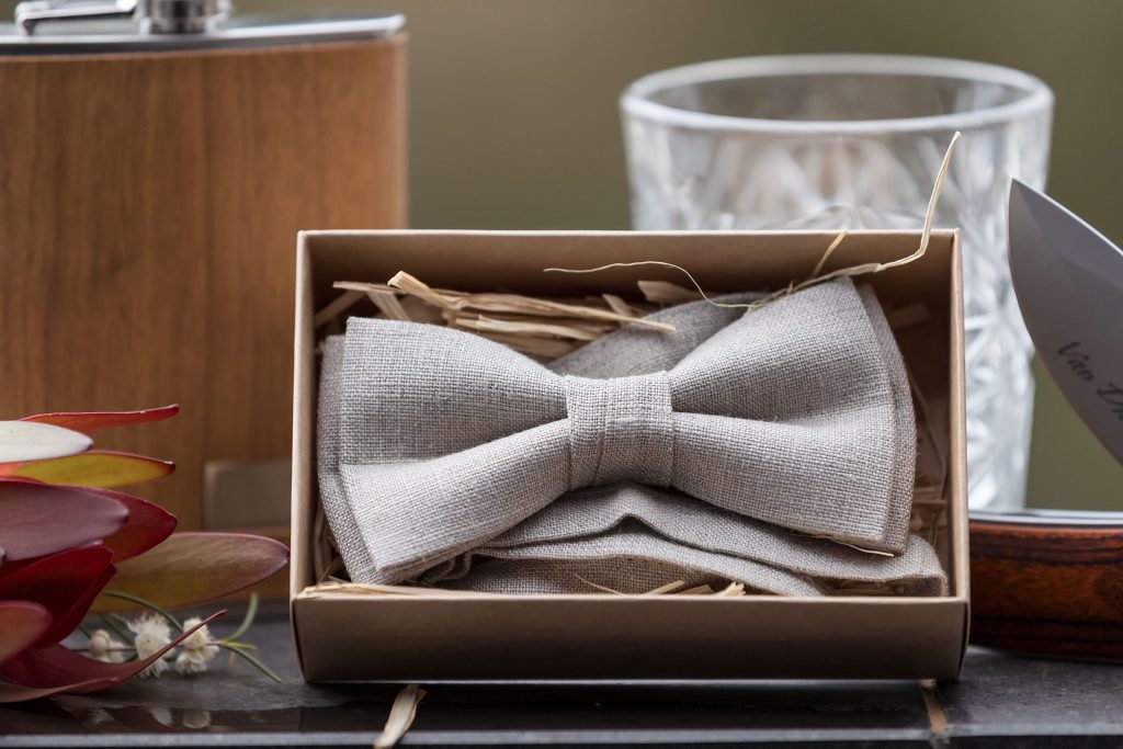 Groom Natural Fabric Bow Tie